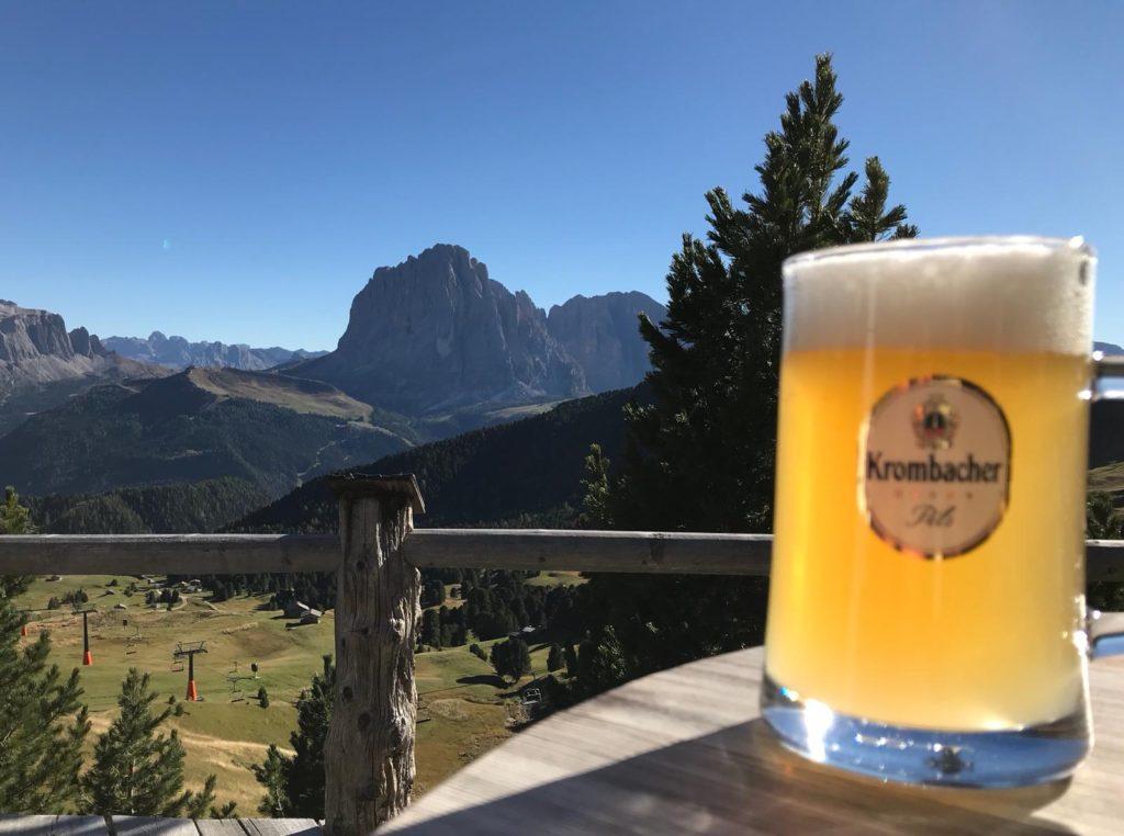 Nach einem erfolgreichen Klettertag in den Dolomiten